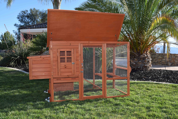 Murray mcmurray hatchery mobile chicken coops for Mobile chicken coops