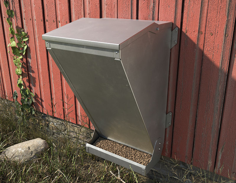 A heavy duty, strong chicken feeder